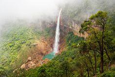 O planeta está cheio de fenómenos naturais que nos deixam extasiados – mas poucos chegam à magnitude das cascatas.