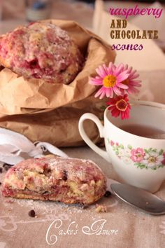 Cake's Amore......and more: raspberry and chocolate scones per unlamponenelcuore