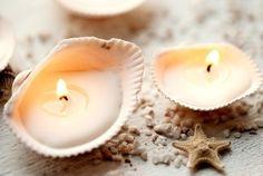schelpen over ? of kaarsen te kort ? maak ze zelf ! een lontje haal je uit een gewoon waxine lichtje, en je smelt het waxine lichtje, en dat schenk je in de schelp! wel eerst het lontje erin leggen natuurlijk ! super leuk !