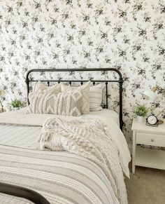 Guest Bedroom with New Wallpaper! Modern Farmhouse Decor, Farmhouse Style Decorating, New Wallpaper, Peel And Stick Wallpaper, Extra Rooms, Living Room, Bedroom, Joy, Dining