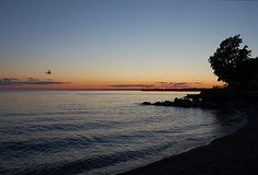 24 Hours on Canada's Secret Island - Sunset at Lake Erie by vinod shankar. Creative Commons Attribution licence