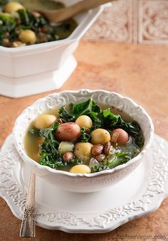 Zuppa Vegana: Italian Potato, Bean, and Kale Soup - #vegan #glutenfree #recipe