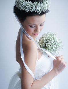 White wreath for a young bride Corona per una giovane sposa www.tanaimuser.com