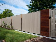 Seeking Colorbond Fence Installation in Perth? Get Colorbond Fence installation in Perth. For Colorbond Fence installation cost or a quote call us today! Tor Design, Gate Design, Modern Fence Design, Modern Deck, Fence Builders, Metal Fence Panels, Limestone Wall, Modular Walls, Best Architects
