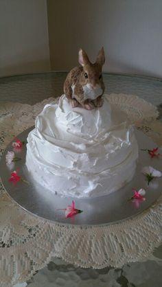 Marshmallow frosting bunny cake