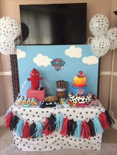 Paw patrol party cake table