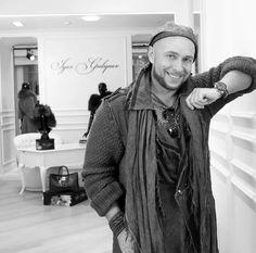 Игорь Гуляев - потрясающий русский дизайнер.