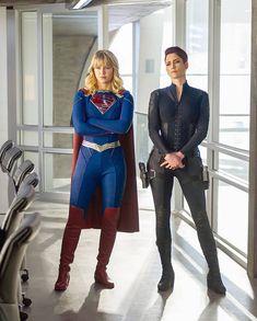 Supergirl Superman, Supergirl Season, Supergirl And Flash, Chyler Leigh Supergirl, Melissa Supergirl, Super Hero Outfits, Super Hero Costumes, Melissa Benoist, Power Girl