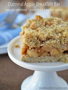 Nothing beats a slice of pie, don't you agree? These oatmeal apple breakfast bars are like having dessert for breakfast, except they're naturally sweetened and actually healthy for you! Gluten-free and dairy-free options too. :: DontWastetheCrumbs.com
