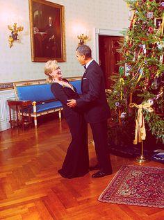 Meryl Streep with Barack Obama, at the White House (2011).
