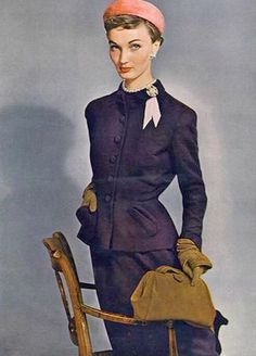 Evelyn Tripp in purple wool jacketed dress by Maurice Rentner, nutshell brown gloves by Kislav and suède bag by Koret, photo by Erwin Blumenfeld, Vogue, September 1949 Colorful Fashion, Trendy Fashion, Fashion Models, Fashion Bags, Women's Fashion, Bags Online Shopping, Online Bags, Dior, Types Of Gowns