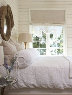 One of the best parts about country style is the comfort factor! Bedrooms that draw on this vein of style are all about warm, comforting colours, pretty window coverings, big, inviting, ultra-snuggly beds, and little touches of personal history! What's not to love?