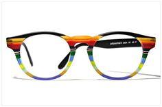 Multicolor eyewear by Pollipò Occhiali, Italy. Occhiali da vista modello ONDA con COMBINAZIONE MULTICOLORE ottenuta assemblando artigianalmente 10 diverse strisce di acetato. Forma pantos /// This colour edition: handcrafetd eyeglasses in MULTICOLOR COMBINATION obtained by assembling 10 different stripes of acetate. Panto shape proudly handmade in Italy /// Gafas | Lunettes | Specs | Glasses | Frames | Brille Pollipò.