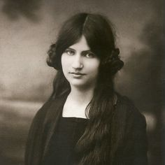 Jeanne Hebuterne , muse and painter herself