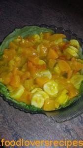 Perske piccalilli slaai met piesang New Recipes, Salad Recipes, Cooking Recipes, Favorite Recipes, Baked Beans Salad, Piccalilli Recipes, Braai Salads, Banana Curry, Banana Salad