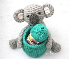 gratis free:Crochet Koala Bear Basket with Bernat Beyond Meet my new favorite yarn! Bernat Beyondis Yarnspirations newest super bulky yarn that has aunique twist to the fibers which allows you to quickly achieve a higher-end look and stitch definition.