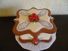 Gingerbread box of flowers
