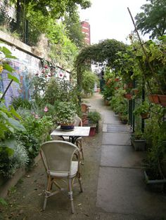 Jardins du Ruisseau, someone's favorite small Paris garden.  Delightful!!