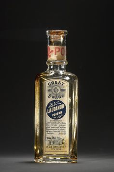 American Gilded Age era Medicine: Landanum - a solution of Opium and Alcohol used as a painkiller and sedative. - Medicinal bottle distributed by: Edward D. Depew and Co. Antique Bottles, Vintage Bottles, Bottles And Jars, Glass Bottles, Perfume Bottles, Vintage Packaging, Vintage Labels, Vintage Ads, Vintage Advertisements
