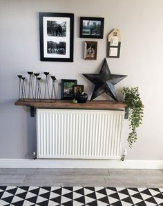 Rustic scaffold radiator shelf, shelfie, how to accessories a radiator shelf. Narrow Hallway Decorating, Hallway Ideas Entrance Narrow, Radiator Shelf, Radiator Ideas, Radiator Cover, Hallway Shelf, Home Interior Design, Interior Decorating, Landing Decor