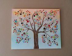 Leuk om zelf te maken | Boom gemaakt van verschillende kleuren verf en knopen. Door hbo