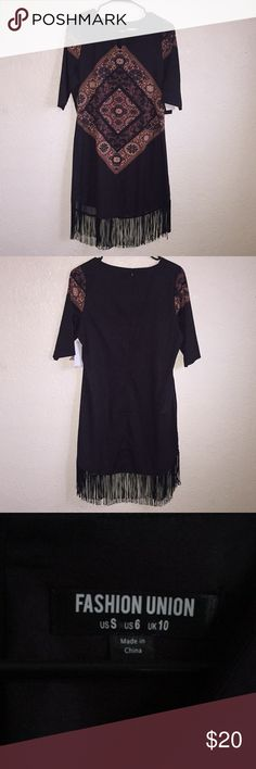NWT Fashion Union Boho Style Dress Brand new, very cute dress by Fashion Union. Zipper back and form fitting. Would look great with a pair of brown ankle booties! Dresses Midi