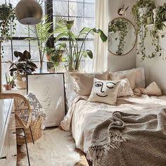 Bohemian bedroom and bedding design - Zimmer einrichten - Decoration Help Room Ideas Bedroom, Bedroom Inspo, Home Bedroom, Bed Room, Bedroom Designs, Modern Bedroom, Master Bedroom, Hippy Bedroom, Garden Bedroom
