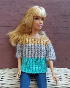Crochet Toy Barbie Clothes Barbie Ribbed Sweater - Free Pattern - Barbie Ribbed SweaterThis knitting pattern / tutorial is available for free. Barbie Knitting Patterns, Knitted Doll Patterns, Knitting Dolls Clothes, Knitted Dolls, Crochet Toys, Barbie Clothes Patterns, Crochet Barbie Clothes, Baby Doll Clothes, Clothing Patterns