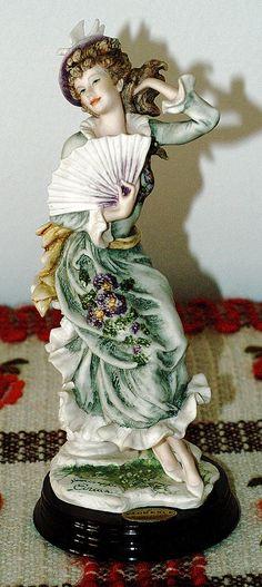 Giuseppe Armani figurine. Title Violet