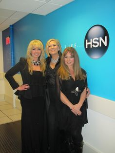 Sam and Cher recording at HSN TV  #Athomeradio #rockstyle #motherdaughter