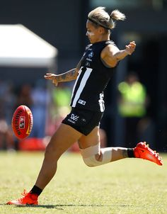 I wish Moana Hope still played for Collingwood ⚫️⚪️ Dynamic Poses, Selfie Ideas, Netball, Rugby League, Action Poses, Sports Stars, Dream Job, Sport Girl, Athletics