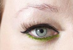 Green under eye make-up