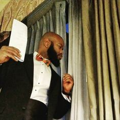 Me doing a rendition of one of my favorite photos holding my speech notes for tonight's keynote address for the New Jersey Black Business Awards Gala. God let my words resonate with these fellow Black entrepreneurs.  @njblackbusinesses #malcolmx #iammalcolmx #iLBB #kente #newjersey #entrepreneur... Follow us on iG: http://ift.tt/1XfKZZa