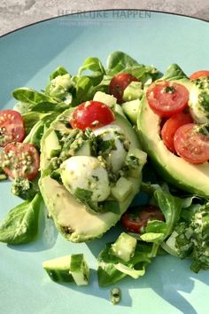 Avocado pestosalade met mozzarella – Food And Drink Pesto Salad, Avocado Pesto, Avocado Salad, Mozzarella, I Love Food, Good Food, Yummy Food, Veggie Recipes, Healthy Recipes