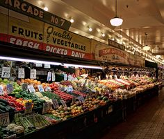 I love Pike's Place Market! I would really love to work there for a while selling produce! Everything is so beautiful.