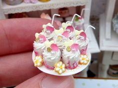 Paris Miniatures: Pink Collection - Day 5 - Sundaes, Charlotte, Macaroons, Roses...