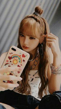 Im lisa Blackpink Kpop Girl Groups, Korean Girl Groups, Kpop Girls, Kim Jennie, Rapper, Bts Kim, Mode Kpop, Lisa Blackpink Wallpaper, Wallpaper Lockscreen