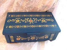 Vintage  ANRI Music jewelry Box Dr Zhivago Lara's Theme US $89.00 Music Jewelry, Jewelry Box, Dr Zhivago, For You Blue, Rose Cottage, Decorative Boxes, Store, Ebay, Vintage