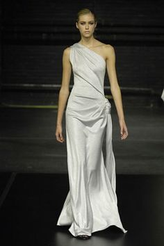 See the complete Douglas Hannant Fall 2008 Ready-to-Wear collection.