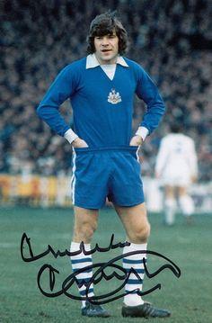 Malcolm MacDonald of Newcastle Utd in British Football, Retro Football, Vintage Football, Sport Football, Football Cards, Football Shirts, Malcolm Macdonald, Newcastle United Football, St James' Park