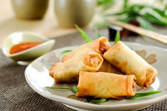 Two different recipes for Chinese Egg Roll Wrappers, also known as spring rolls wrapper, which are loved all over the world Egg Roll Recipes, Pork Recipes, Asian Recipes, Cooking Recipes, Chinese Recipes, Chicken Egg Rolls, Chicken Spring Rolls, Baked Chicken, Appetizer Dishes