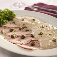 Vitello tonnato - veal with tuna sauce. ah, memories from Munich, aka the northernest Italian city. Sauce Recipes, Seafood Recipes, Cooking Recipes, Italian Dishes, Italian Recipes, Vitello Tonnato Recipe, Tapas, Good Food, Yummy Food