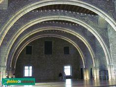 Barcelona - Saló del Tinell: interior (Foto: Albert Esteves, 2007)
