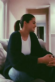 Selena Gomez Makeup, Selena Gomez Cute, Celebs, Celebrities, Exo, Babe, Actresses, Ship, Woman