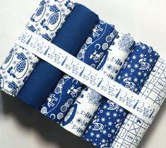 Fat quarter fabric bundle - 100 % cotton - cute chicken fabric - patchwork quilt doll toy cushion purse