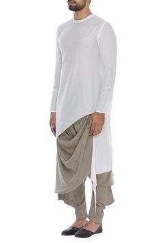 Fashion - Buy Kurta with asymmetric hemline by AntarAgni at Aza Fashions Mens Indian Wear, Indian Men Fashion, Mens Fashion Wear, Fashion Pants, Fashion Design Sketchbook, Fashion Design Drawings, Kurta Men, White Kurta, Kurta Style