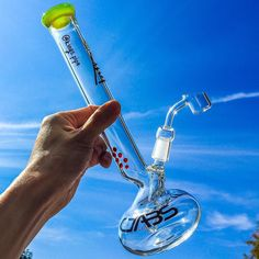 DABS GLASS - 11 INCH ROUND BASE DAB RIG This cool beaker rig from @dabsglass Is available now on our online HeadShop! KINGS-PIPE.COM #kingspipe