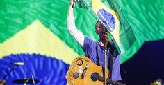 """Após cinco anos longe do Brasil, o Coldplay se apresenta em São Paulo e canta clássicos ocmo """"Fix You"""" e """"Viva la Vida"""""""