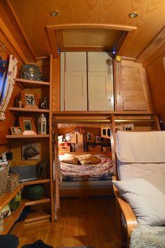 Creative & Cozy Caravan/RV/Boat Interior Design Ideas - napier news Sailboat Living, Living On A Boat, Tiny Living, Living Spaces, Canal Boat Interior, Sailboat Interior, Interior Exterior, Interior Design, Barge Interior