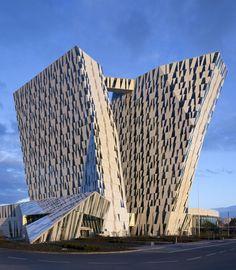 szymon:    Bella Sky hotel in Copenhagen by 3XN. Photo by Adam Moerk.